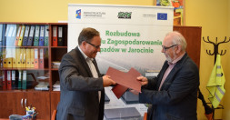 Podpisana umowa z Zakładem Gospodarki Odpadami w Jarocinie